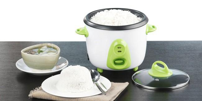 Tips Memasak Nasi Di Rice Cooker Agar Tak Cepat Kering dan Kuning