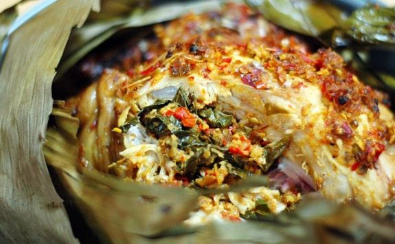 Masakan Bali: Ayam Bakar Betutu