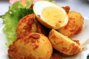 Masakan Bali: Telur Masak Base Genep