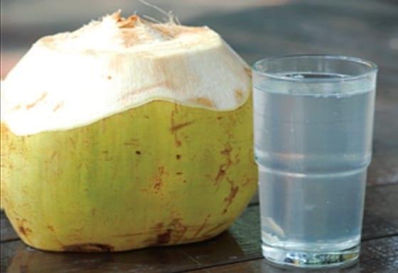 Manfaat Air Kelapa Bagi Kesehatan dan Ibu Hamil