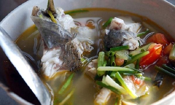 Tips Membuat Kaldu Ikan Lezat dari Tulang Ikan