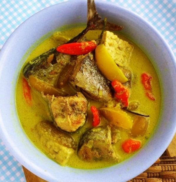 Resep Membuat Ikan Tenggiri Bumbu Kuning Lezat