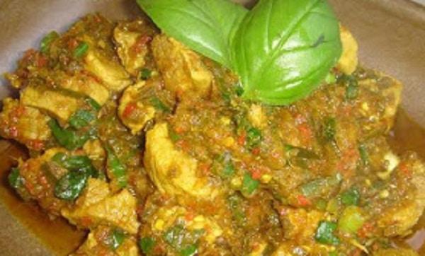 Masakan Manado: Tuna Tinoransak Pedas