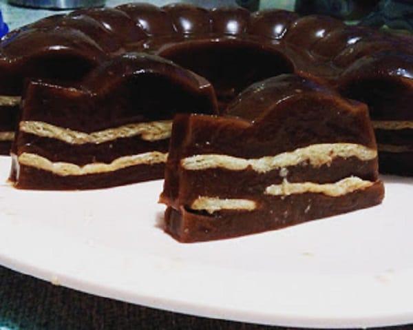 Resep Membuat Puding Cokelat Lapis Biskuit