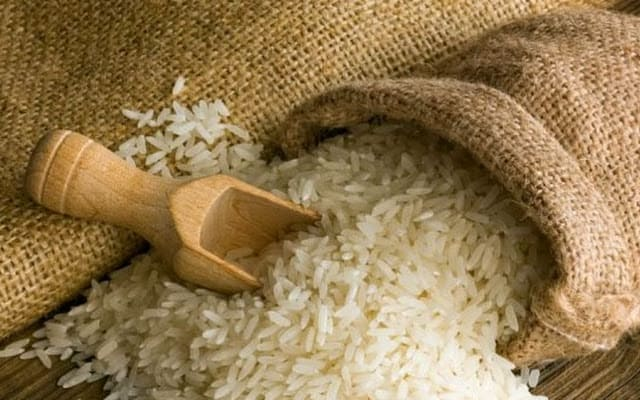 Tips Dapur: Menghilangkan Bau Apek dan Serangan Kutu Pada Beras