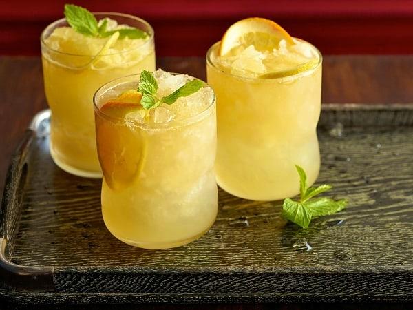 Minuman Dingin: Es Lemonade Segar