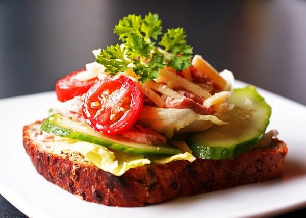 Resep Sarapan Praktis: Open Sandwich