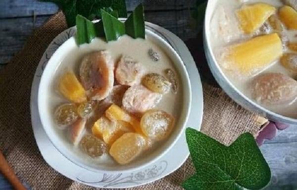 Hidangan Buka Puasa: Kolak Pisang Singkong Plus Kolang Kaling