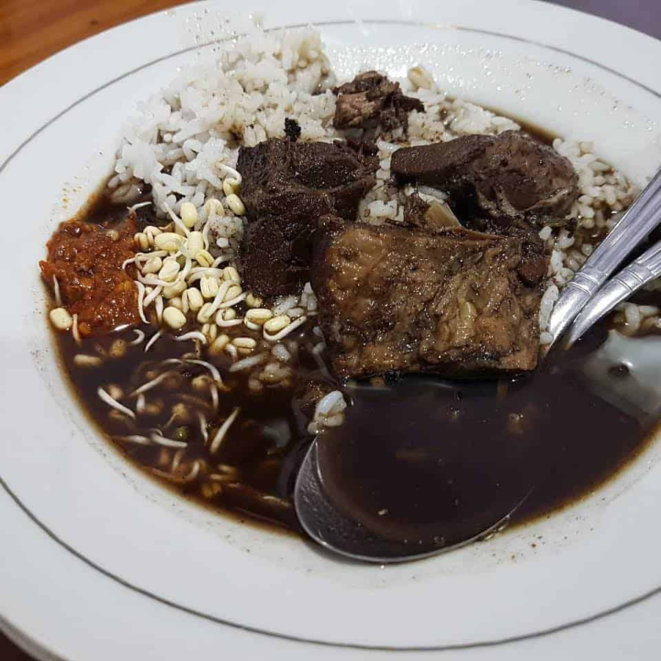 Rawon Setan Warung Bu Sup, Kuliner Lezat Asli Surabaya